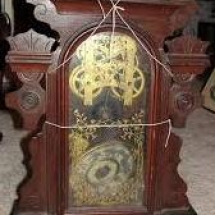 Damage Care Antique broken clock